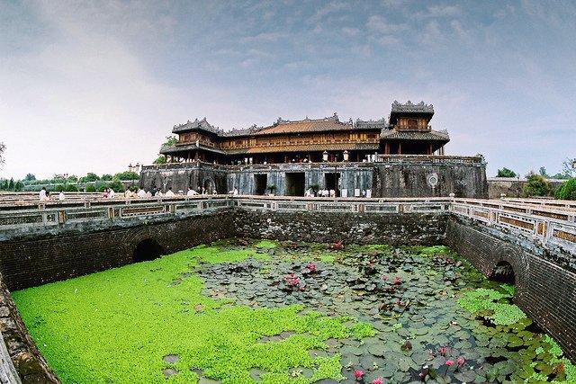 Ha Noi - Hue-Lang Co- Bien Thuan An 4 ngay - tau hoa